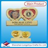 Pin morbido del distintivo del metallo dello smalto, distintivo in lega di zinco della medaglia di oro (LZY-1000069)