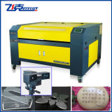laser Cutting Machine de Home Clothing Fabric Mini de coût bas de 60W CO2