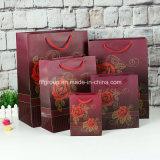 Bolsos de papel coloridos del regalo del diseño popular