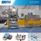 Imbottigliatrice dell'acqua minerale in macchina di rifornimento