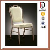 Изогнуто назад уцените алюминиевый штабелируя стул для партии банкета (BR-A110)