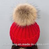 75gアクリルの安い毛皮POM POMの帽子によって編まれる帽子