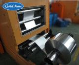 浮彫りになるアルミホイルロール巻き戻す機械