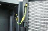 Cremalheira ereta livre do server com porta do engranzamento