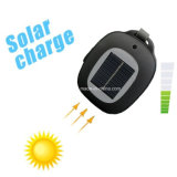 Angeschaltener MiniSmartphone Solarlautsprecher, der fehlerfreien Bluetooth Lautsprecher auflädt