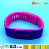 13.56MHz Waterproof o Wristband impresso costume do silicone de NTAG213 NFC