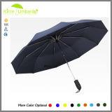Forte ombrello nero antivento dell'asta cilindrica del metallo e della pioggia delle nervature