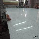 2cmの輝きの黒の床タイルのための人工的な水晶石