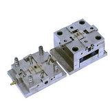 Stampaggio ad iniezione di plastica personalizzato di precisione per il modanatura automatico della parte dell'attrezzo