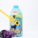 Kind-Schaumbad haben Spaß mit Dusche mit Luftblasen-Gebläse