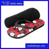 Pistone delle calzature del PE con il sottopiede variopinto per la spiaggia di estate degli uomini