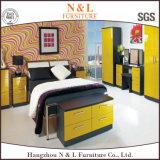 Шкаф шкафа лоска желтого цвета мебели спальни высокий