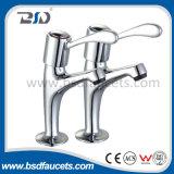 Смеситель ливня ванны Faucet низкого давления самомоднейший с комплектом Handshower