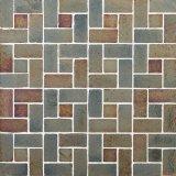 建築材料の混合されたカラーガラスモザイク床のモザイク
