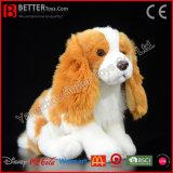 Perro realista del perro de aguas de rey Charles del animal relleno del juguete de la felpa