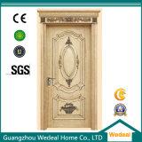 純木のドアを塗る古典的な白いベニヤの切口の切れ間