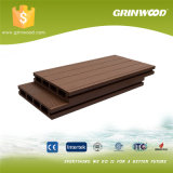 Decking ao ar livre composto plástico de madeira expulso