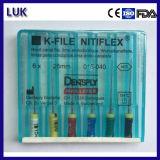 a + K-Arquivos dentais do uso da mão de Niti da qualidade
