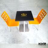人工的な石造りの小さいファースト・フードの現代ダイニングテーブル