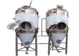 Fermenteurs à une seule couche de bière, cuves de fermentation coniques de bière avec la jupe de refroidissement
