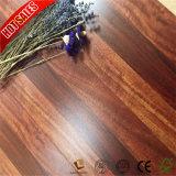 Haga clic en medio de Apple Valinge grabado en madera Piso Laminado
