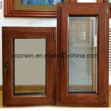 Revestimento de madeira de carvalho e gire a janela Inclinação de alumínio