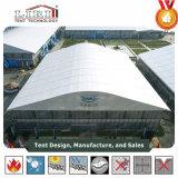كبيرة يبتكر خيمة بنية مع قبة أعلى وزجاج جوانب لأنّ معرض