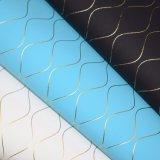 水波浮彫りにされた総合的なPUののど袋の装飾の革
