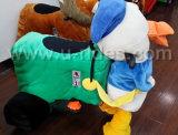In werking gestelde het Lopen van het speelgoed Muntstuk Dierlijke Ritten voor Jonge geitjes