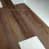 Lvtの贅沢な木製の穀物PVCビニールのフロアーリング