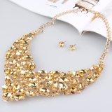 Gli orecchini della collana di modo hanno impostato l'insieme dei monili della lega della sposa dei monili del diamante