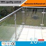 Edelstahl-Treppenhaus-Handlauf mit Glasschelle