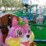 Paseo en el equipo de parque de atracciones de la Pequeña Montaña rusa para la venta