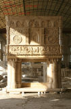 Camino di pietra Mfp-027 del camino del marmo del camino dell'oro