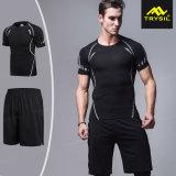Maglietta aderente degli uomini casuali, Shorts e vestito di pista