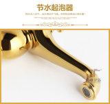 Misturador mágico de bronze da bacia do Três-Furo da lâmpada do ouro luxuoso dobro do punho (Zf-M29)