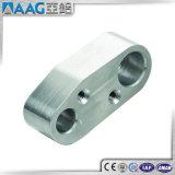 Piezas de aluminio que trabajan a máquina del CNC
