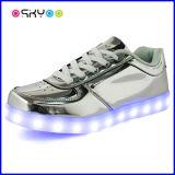 Светящий USB поручая светлые ботинки СИД