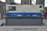 Da estaca hidráulica do balanço do CNC de QC12k 20*2500 máquina de corte