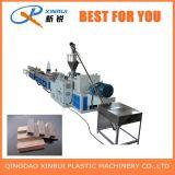Extrusora plástica de madeira do revestimento do PVC que faz a maquinaria