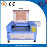 小型CNCの二酸化炭素レーザーの彫刻家CNCの木製の切り分ける機械