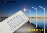 6W-120W todo en farolas accionadas solares de un LED con el sensor de movimiento