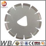 La hoja de sierra de diamante para el corte de hormigón, piedra y asfalto