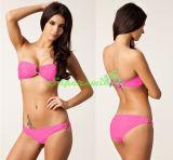Frauenreizvoller Bandeau-Bikini