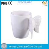 Tazza bianca di ceramica creativa dell'ala di angolo