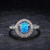 De moderne Juwelen Witgoud Geplateerd CZ van het Ontwerp en Opalen Ring