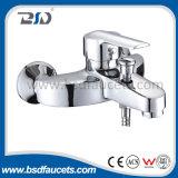 Lavatório de parede de lavatório único punho de latão cromo torneiras misturador de chuveiro de banho