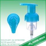 手の洗浄のための40/410の熱い普及した青いプラスチック泡ポンプ