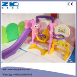 De binnen Kleurrijke Plastic Dia van de Veiligheid met Schommeling voor Kinderen