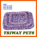 De goedkope Zachte en Bedden van het Fluweel van het Koraal van het Comfort voor Honden en Katten (WY1610114-1A/C)